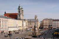 foto of the main square of Linz with the plague column